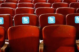 Δωρεάν θεατρικές παραστάσεις αν....Tweet-άρεις