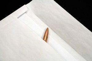 «Ραβασάκια» με σφαίρες σε εφορίες της Κρήτης