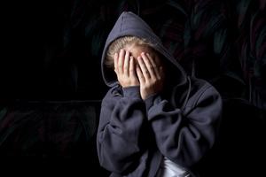 Ηλικιωμένος πιάστηκε να χαϊδεύει 14χρονο παιδί