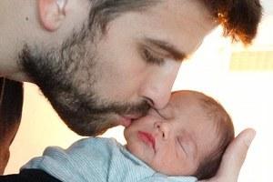 Η πρώτη φωτογραφία του μωρού της Σακίρα και του Πικέ