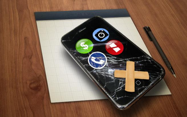Έρχεται το κινητό που μπορεί να επισκευάζει μόνο του τη σπασμένη οθόνη