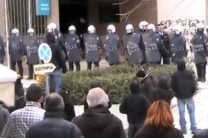 Αρνούνται να απολογηθούν οι συλληφθέντες του Βελβεντού