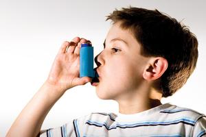 Το κάπνισμα της γιαγιάς μπορεί να «κληροδοτεί» άσθμα στα εγγόνια