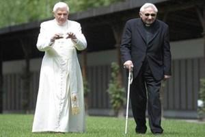 Μόνο ο αδερφός του Πάπα γνώριζε τα σχέδιά του