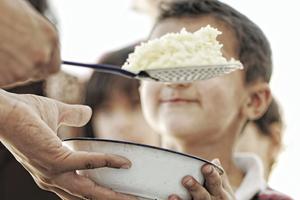 Το 7,4% των νοικοκυριών δεν μπορούν να προσφέρουν κρέας ή ψάρι σε καθημερινή βάση