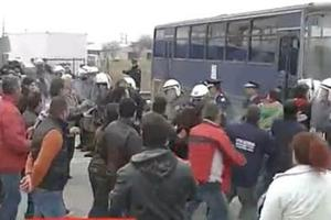 Χημικά και συλλήψεις στα μπλόκα των Σερρών