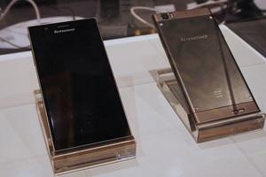 Lenovo IdeaPhone K900 με επεξεργαστή Intel