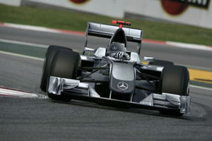 Ψάχνουν το μυστικό της επιτυχίας στην Mercedes