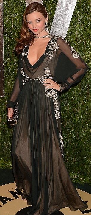 ... Miranda Kerr έλαμπε στο πλευρό του γοητευτικού της συζύγου της d0a5ef104e5