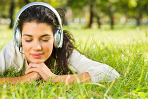 Γιατί «κολλάνε» στο μυαλό μας συγκεκριμένα τραγούδια
