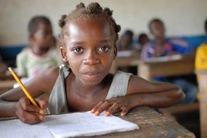 Το ένα τρίτο των παιδιών στο Κονγκό δεν πηγαίνει σχολείο