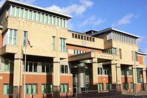 Καθηγητής καταδικάστηκε για δεσμό με μαθήτριά του