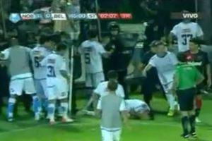 Επίθεση αστυνομικού σε ποδοσφαιριστή