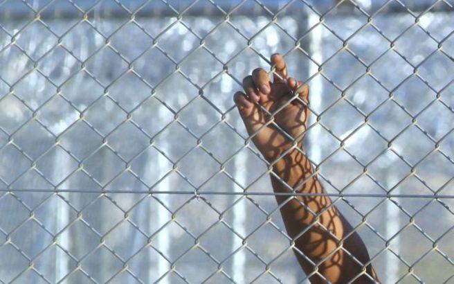 Προχωρά σταδιακά η έξοδος από τα κέντρα κράτησης