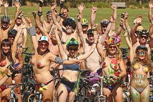 Γυμνή ποδηλατοδρομία στη Μελβούρνη