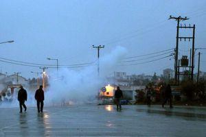 Ένταση μεταξύ μεταλλωρύχων και διαδηλωτών στη Χαλκιδική