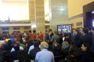 Ο Α. Τσίπρας στο λαϊκό προσκύνημα του Τσάβες