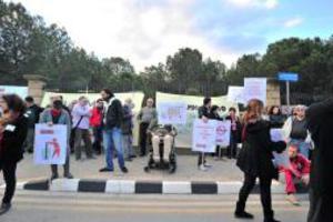 Αναλήψεις μέχρι 600 ευρώ από τα ΑΤΜ στην Κύπρο