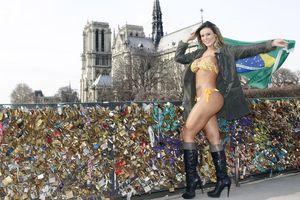 «Ταρακούνησε» το Παρίσι η Miss bumbum