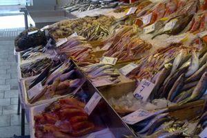 Με ποικιλία προϊόντων η ψαραγορά του Ηρακλείου