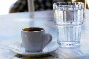 Ο καφές διεγείρει την αναγνώριση των θετικών λέξεων