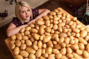 Τρομάζει στη σκέψη κάθε τροφής εκτός από... πατάτες