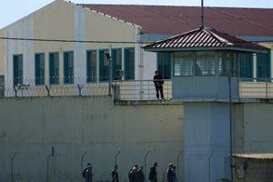 Αγροτικές φυλακές μετατρέπονται σε κλειστές