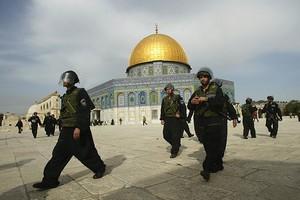 Χειροπέδες σε Αμερικάνο που βρισκόταν παράνομα στο Ισραήλ