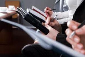 Οικονομική ενίσχυση σε άνεργους δημοσιογράφους