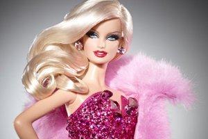 «Τα αγόρια δεν πρέπει να παίζουν με κούκλες»