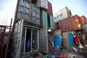 Το χωριό των κοντέινερ στη Σανγκάη