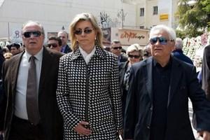 Ανεπιθύμητη στην κηδεία του Θανάση Νάκου η Ζέττα Μακρή