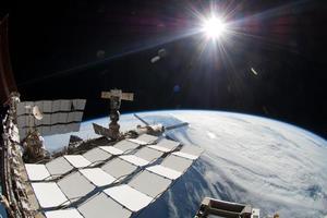 «Φως» στη σκοτεινή ύλη ρίχνει το πείραμα AMS