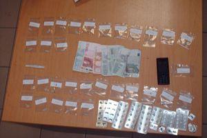 Πέντε συλλήψεις για ηρωίνη και ναρκωτικά χάπια