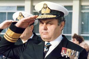 O ναύαρχος Νίκος Παππάς και το αντιτορπιλικό «Βέλος»
