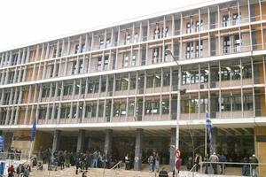 Ελεύθερος ο σωφρονιστικός υπάλληλος που κατηγορήθηκε για «φακελάκι»