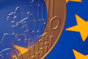 «Σημαντικό το ευρώ, αλλά σημαντικότερη η Δημοκρατία»