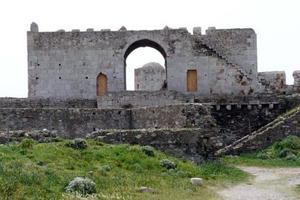 Στο κάστρο της Μεθώνης άφησαν τις εργασίες στη μέση