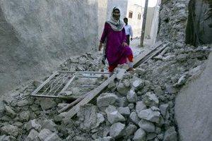 Πέντε νεκροί στο Πακιστάν από το σεισμό στο Ιράν