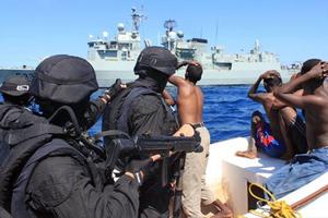 Πειρατεία σε εμπορικό πλοίο ανοιχτά της Σομαλίας