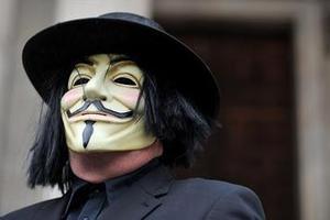 Οι πολυεθνικές που πλουτίζουν από τη μάσκα των Αγανακτισμένων