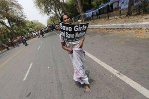 Δύο συλλήψεις για τον βιασμό καλόγριας στο Νέο Δελχί