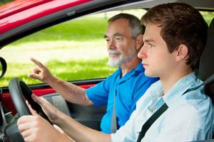 Νέες διευκρινίσεις για τα διπλώματα οδήγησης σε 17χρονους
