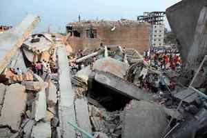 Ξεπέρασαν τους 300 οι νεκροί στο Μπανγκλαντές