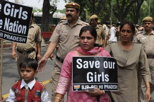 Μια Ινδή πήρε συνέντευξη από 100 βιαστές