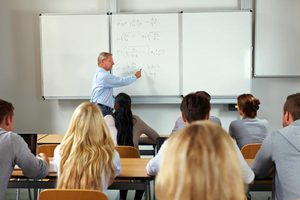 Ποιοι εγκαταλείπουν πρόωρα την εκπαίδευση και γιατί
