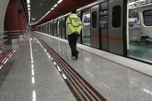 Εκτός λειτουργίας τρεις σταθμοί του μετρό το βράδυ της Κυριακής