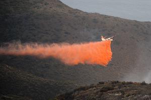 Μαίνεται η καταστροφική πυρκαγιά στην Καλιφόρνια