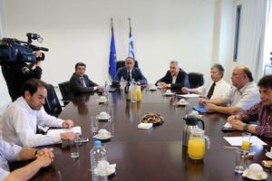 Σε εξέλιξη η συνάντηση Αρβανιτόπουλου-ΟΛΜΕ