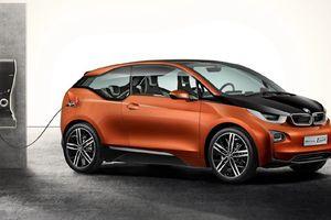 Η BMW λανσάρει τα ηλεκτρικά i3 και i8